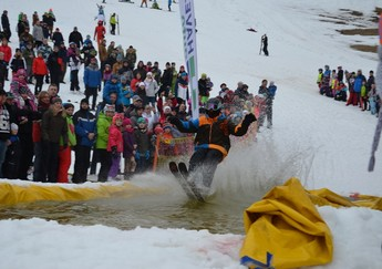 SNOW SPLASH 2017